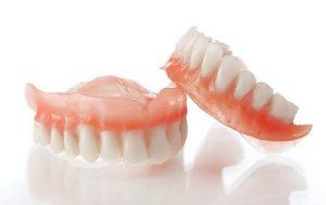 ทำฟันเทียม เมื่อฟันแท้หลุดออก